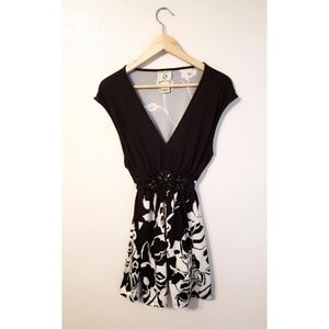 Ice Black and White Floral Print Dress (XL)